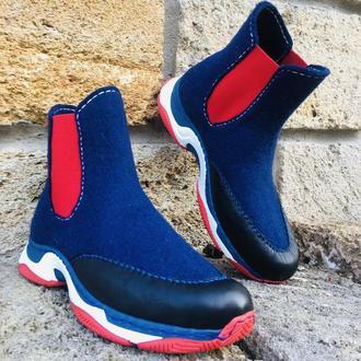Валяные спортивные сапоги «Красное и синее»