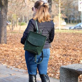 Кожаный рюкзак в зеленом цвете