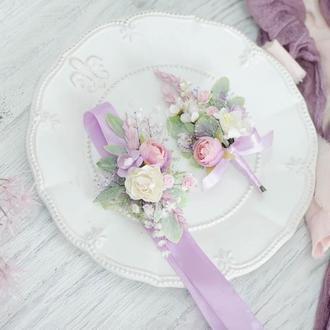 Комплект: бутоньерка и браслет. Сирень с розовым