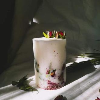 Натуральна свічка із соєвого воску задекорована розами І Свечи