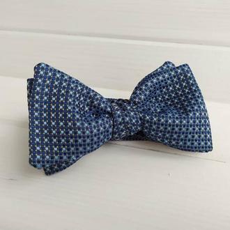 Синяя галстук-бабочка самовяз в горошек
