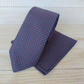 Синий галстук в красный горошек