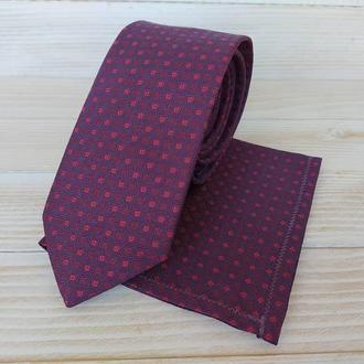 Фиолетовый галстук в мелкую клетку