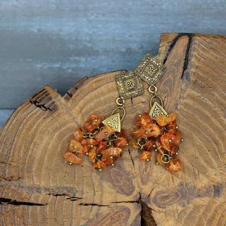 Эффектные, длинные серьги с янтарем