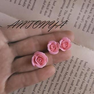 Комплект с розами. Кольцо и серьги с розами
