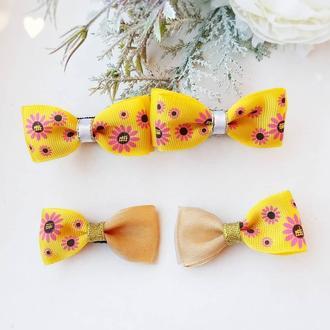 Бантики с цветами цветочные резинки бантики в сад для самых маленьких маленькие заколки