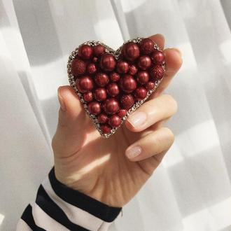 Брошь из бисера, брошка сердце, красная брошь, брошка сердечко