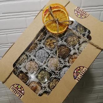 Набор полезных конфет из 24 шт. из сухофруктов и орехов собственного производства