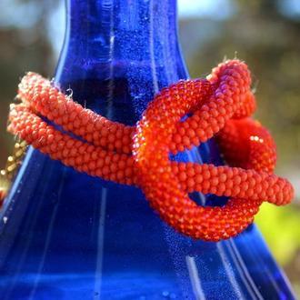 Коралловый браслет из бисера