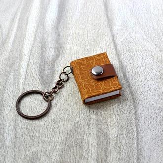 Блокнот-брелок Коричневый на кнопке
