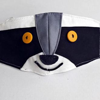 Детская маска енот
