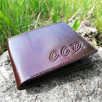 Кожаный кошелек с инициалами. Тиснение, ручной шов