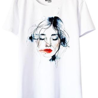 Белая футболка с принтом Olivia