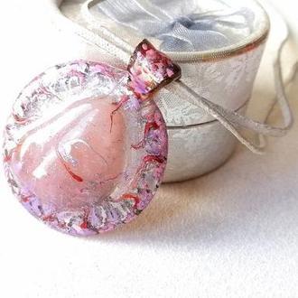 Кулон с розовым кварцом, талисман любви