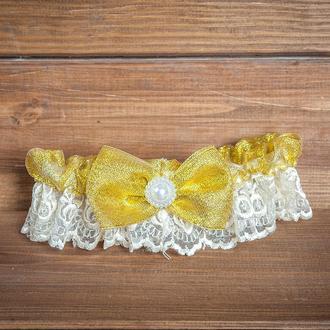 Свадебная подвязка с золотистым бантом (арт. G-116)