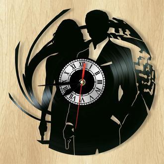 """Настенные часы """"Агент 007"""" - отличный подарок для себя и своих близких."""