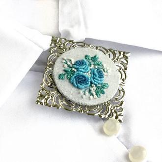Голубая брошь с цветами Большая брошь под воротник  Брошка с розами
