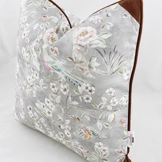 Диванная подушка с цветами и птицами. Подушка на замке. Декоративная подушка.