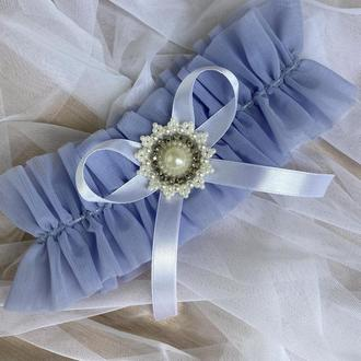 Голубая подвязка невесты на ногу