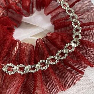 Красная свадебная подвязка