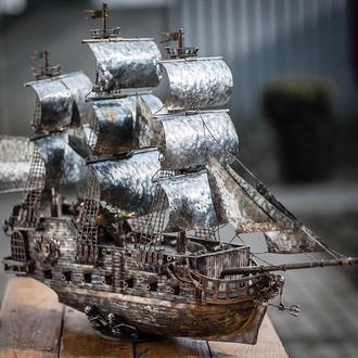 """корабль из нержавеющей стали  """"Рейнджер"""""""