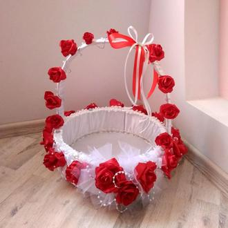 Большая корзина на свадьбу для лепестков роз