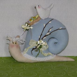 Пасхальная улитка тильда - игрушка ручной работы