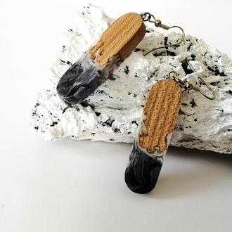 Длинные черные серьги-подвески  из ювелирной смолы и древесины вяза