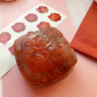 Мыло с лепестками роз