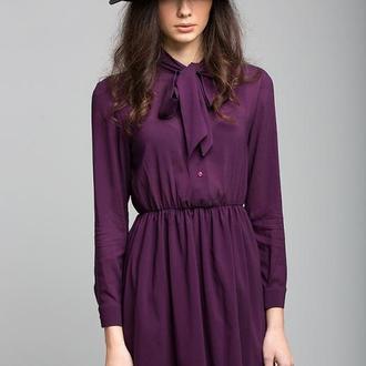 Фиолетовое платье с бантом