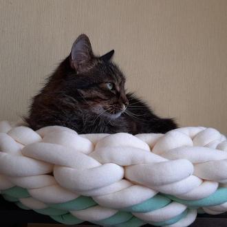 Лежак-лукошко для кошек