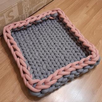 Мягкий лежак для собаки
