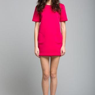 Малиновое платье из неопрена