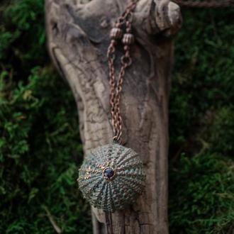 Кулон ′Морской еж зеленый с аметистом′