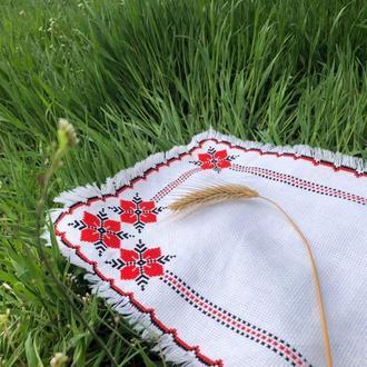 Серветка з українською вишивкою