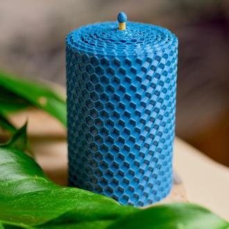 Натуральная голубая свеча из пчелиного воска.для интересного подарка и декора дома