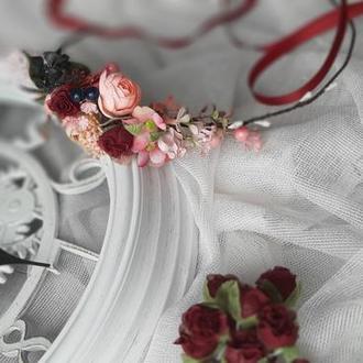 Венок цветочный для волос в розовых и бордовых тонах