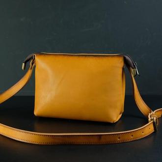 Кожаная сумка, сумочка Лето, кожа итальянский краст, цвет Янтарь