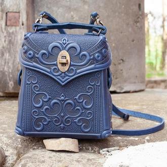 Маленькая авторская Сумочка-рюкзак кожаная синяя с орнаментом Бохо