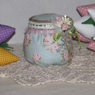 Текстильная шкатулка - игольница ручной работы