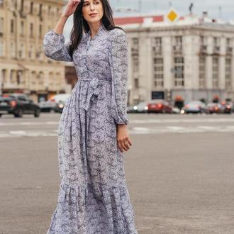 Лиловое шифоновое платье длины макси