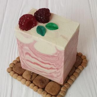 """Мыло """"Кусочек тортика с малиной"""""""