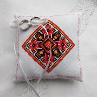 Свадебная подушечка для колец в этно стиле