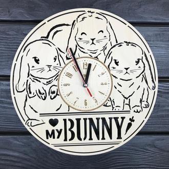 Декоративные часы из дерева «Милые кролики»