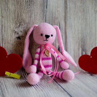 """Вязаная игрушка """"Розовый Зайчик - длинные ушки"""""""
