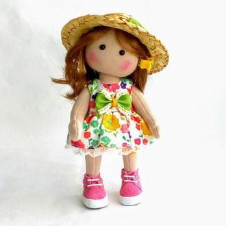 Текстильная кукла в соломенной шляпке. Интерьерная кукла в шляпке.