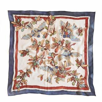 Синий шелковый платок с птицами