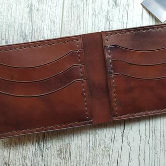 Мужской кожаный кошелек, портмоне, бифолд. Ручная работа. Цвет коричневый.