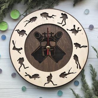 Необыкновенные  часы на стену «Дайвинг»