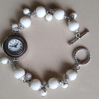 Дизайнерский браслет-часы из камней